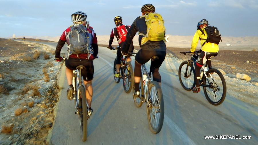 הצ'ימיצ'ורי - מסע עמוק אל לב המדבר, עם עצמך, ועם השרוטים מקומונת 4 אינטש. מאת עזרא שהרבני