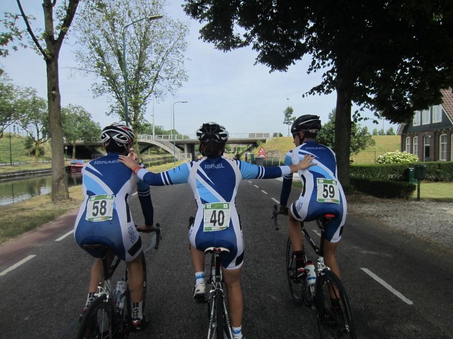נבחרת הנוער באופני כביש