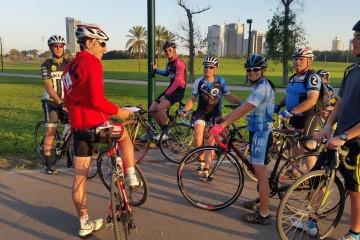 קורס אופניים. באדום: נמרוד דובינסקי רכז הקורס מטעם איגוד האופניים (צילם: קלמן אלפרין)