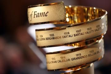 """II campione di ciclismo Ercole Baldini entra nella """"Hall of fame"""" del giro d'Italia questa mattina a Milano, 6 aprile 2016.ANSA / MATTEO BAZZI"""