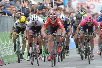Andre Greipel  of Lotto Soudal team win the seventh of the Giro d'Italia 2016, Sulmona to Foligno 211  km , Italy, 13 May 2016 ANSA/LUCA ZENNARO