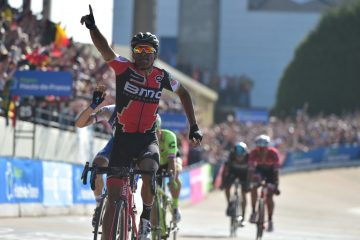 Paris-Roubaix 2017 - 09/04/2017 - Greg VAN AVERMAET (BMC) domine le sprint devant Zdenek STYBAR (QST) et Sebastian LANGEVELD (CDT).