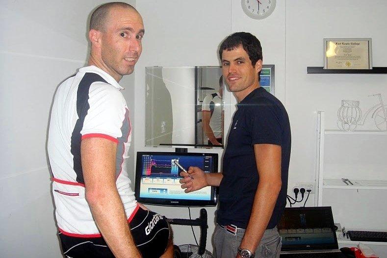 אסף יוגב (מימין) וגיא מיד אחרי המבחן