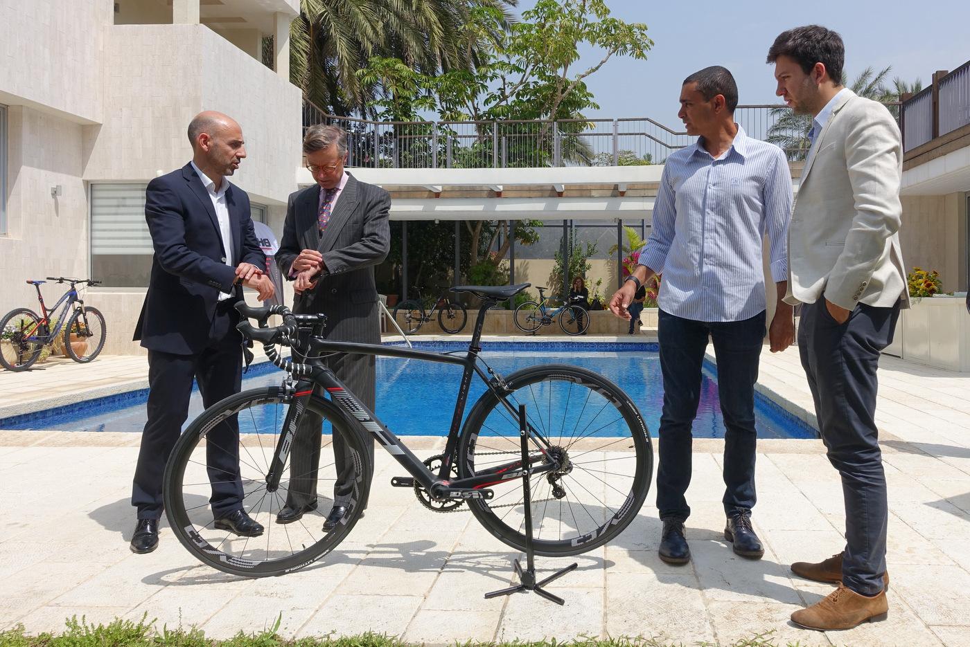 השעון מדבר… ב BH הולכים על מהירות! הראל שקד, שגריר ספרד בישראל ונציגי BH