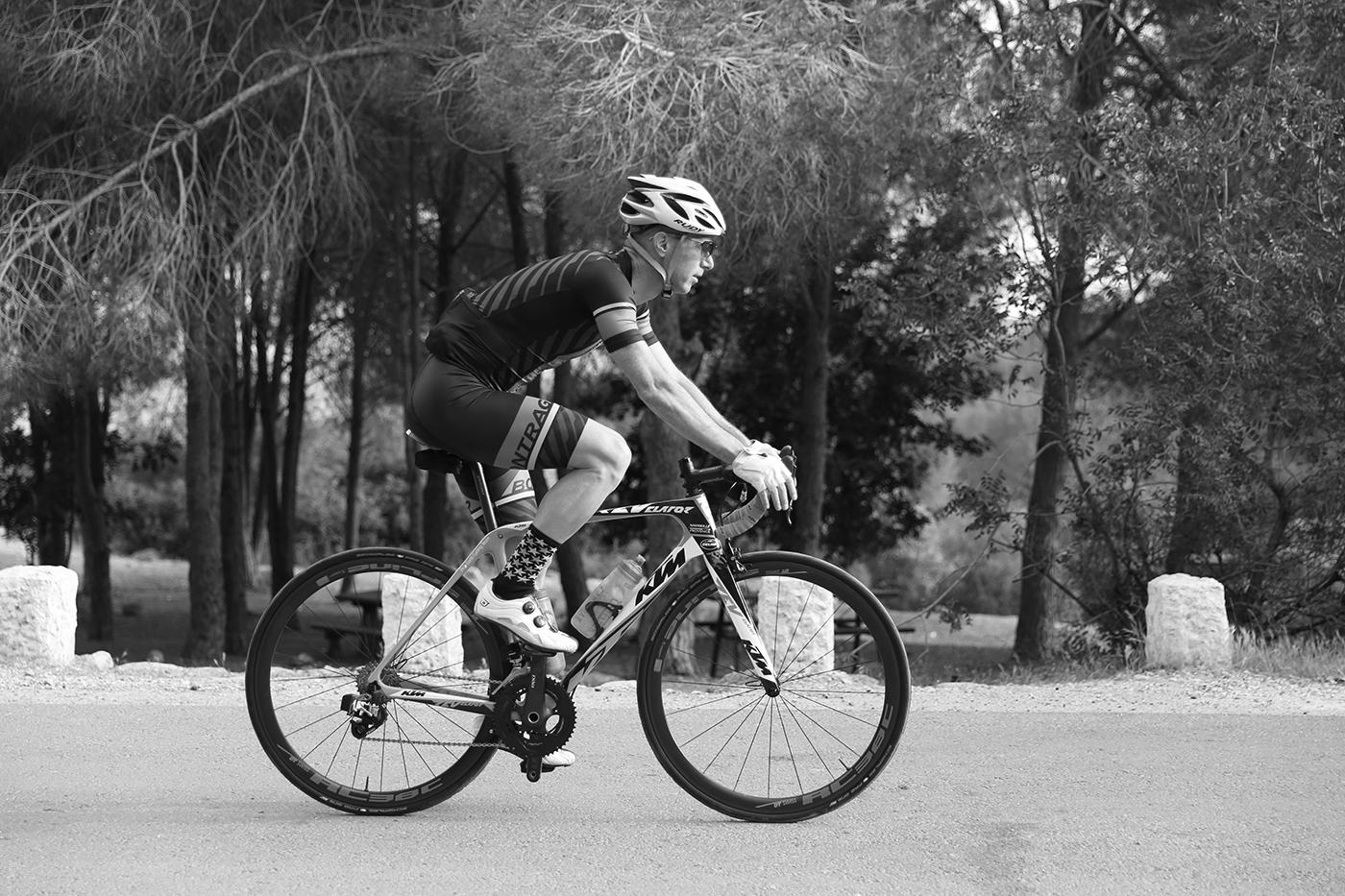 החושפים - אופני הכביש של KTM