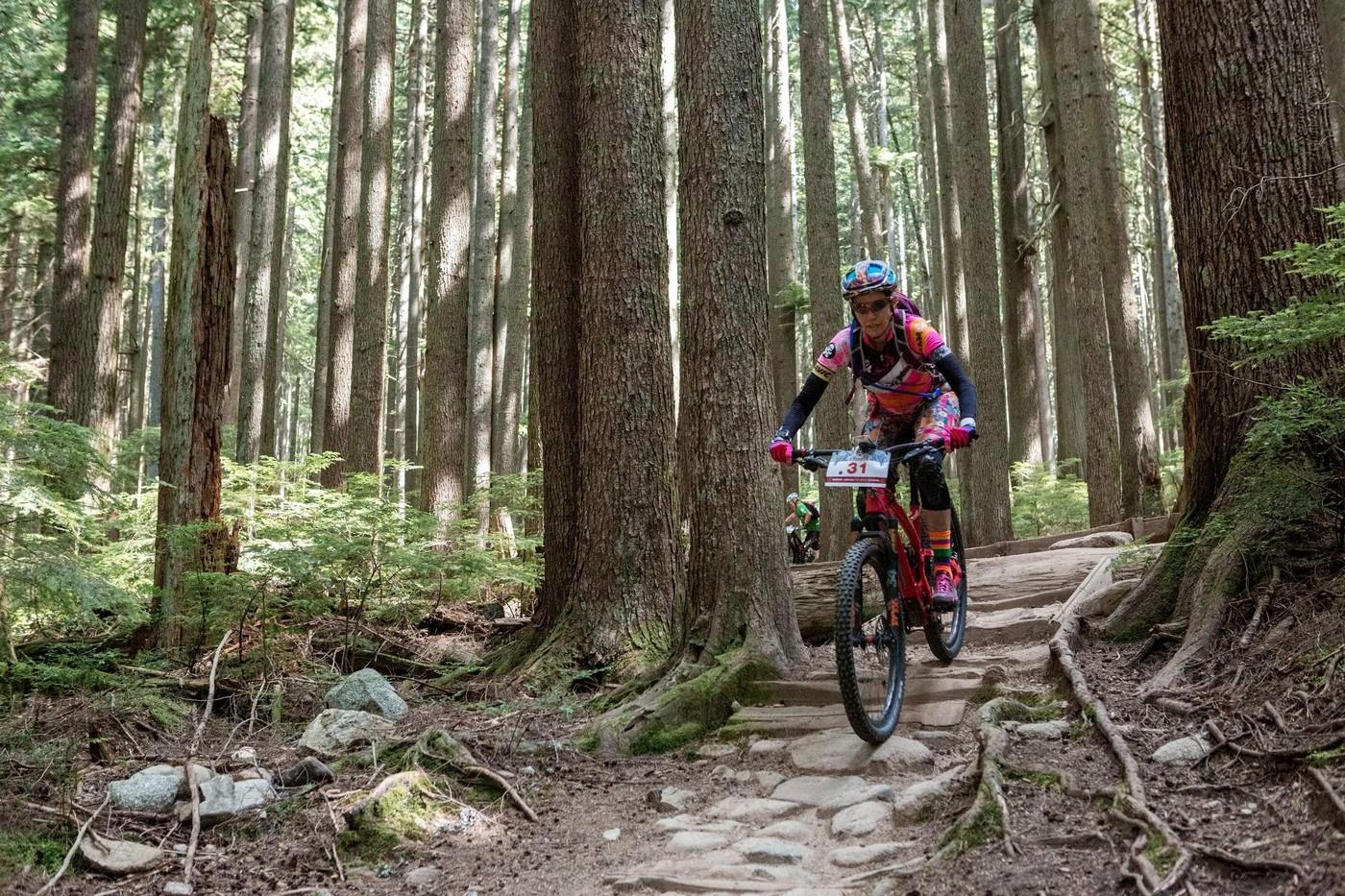 "North Vancouver - יום 5. 18 ק""מ ו-871 מטר Todd Weselake :תמונה"