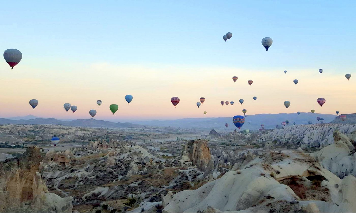 כדורים פורחים טורקיה