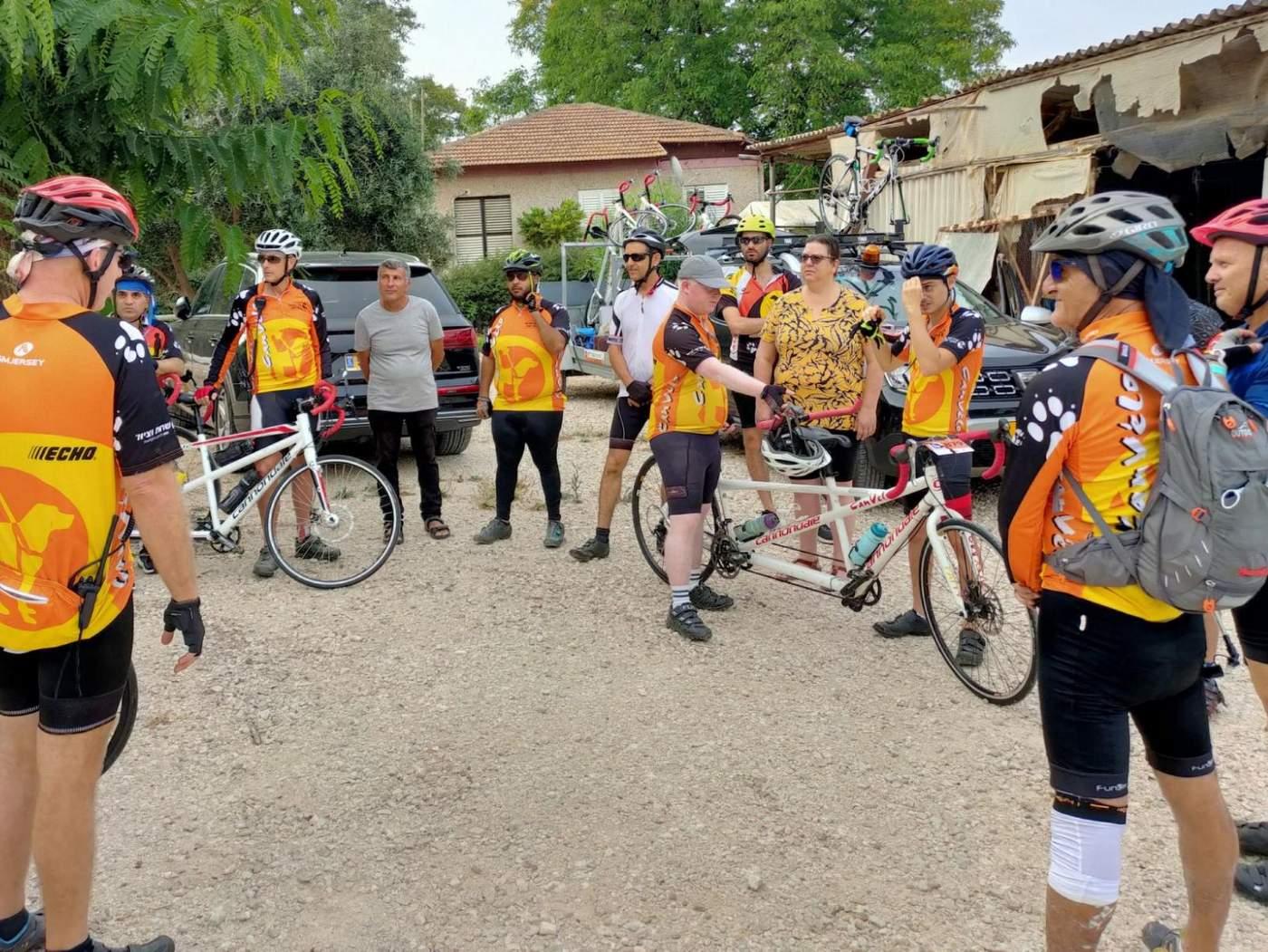 קבוצת אופניים טנדם