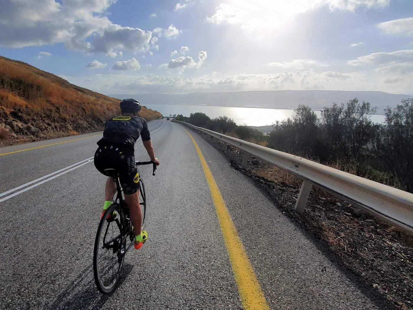 אופני כביש קשיחות משקל