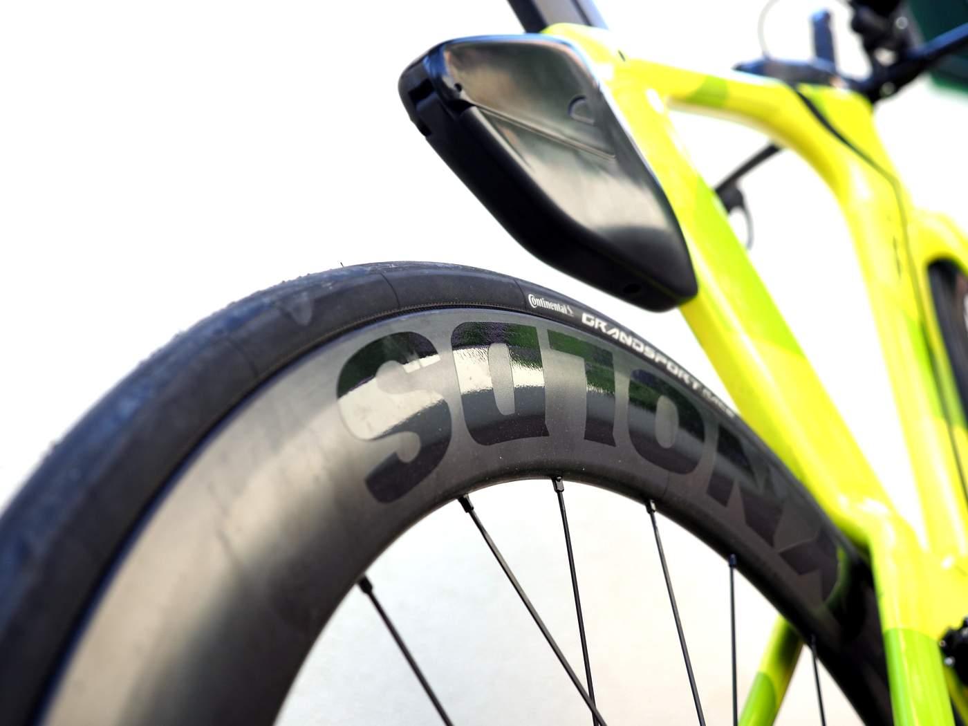 אופני טריאתלון עם גלגלים אווירודינמיים