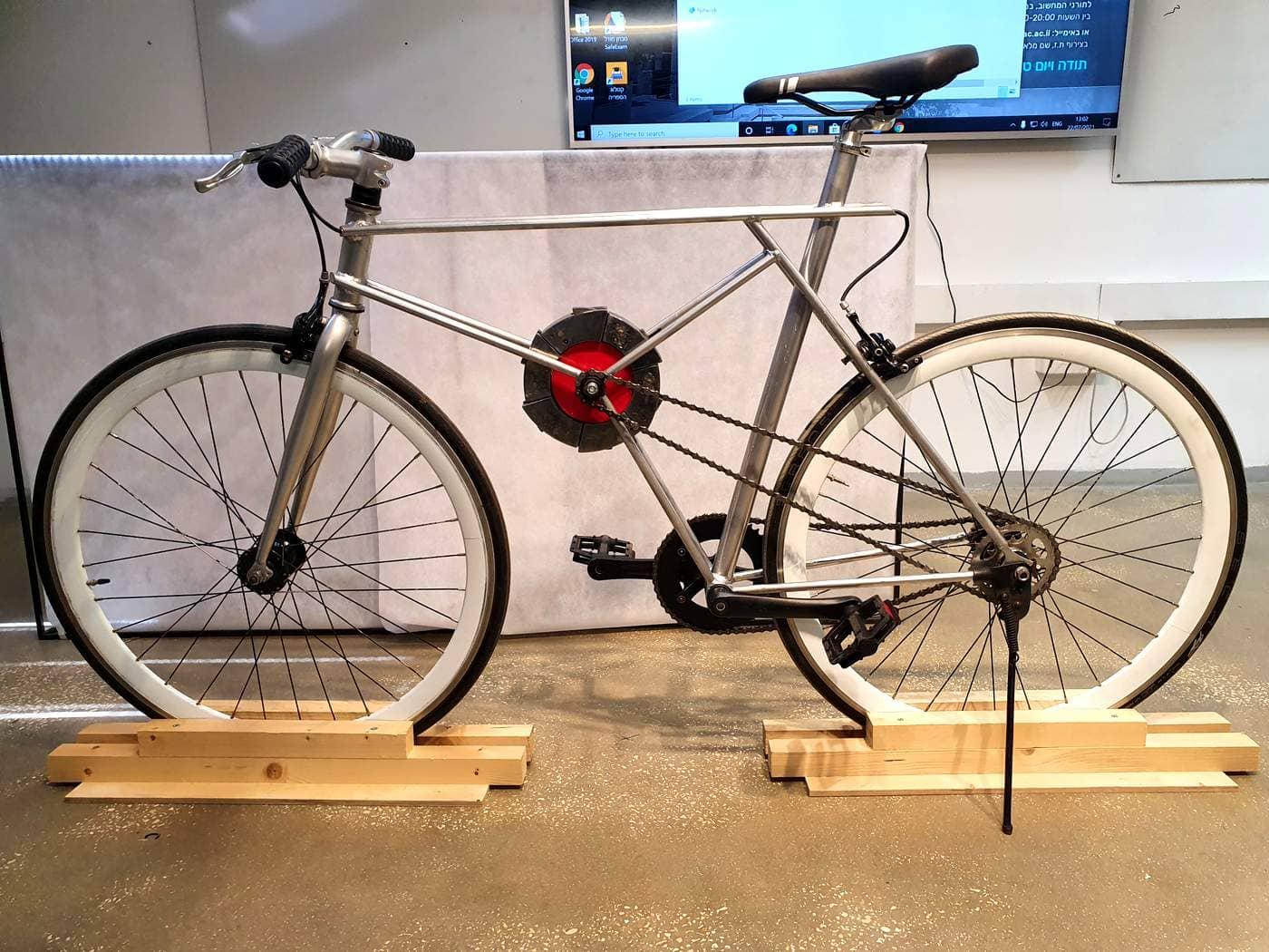 אופניים עם גלגל תנופה